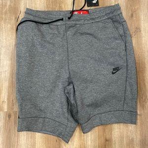 Nike Sportswear Tech Fleece Shorts Large